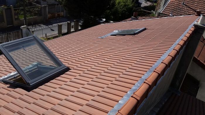 Installation de fenêtre de toit châssis Velux